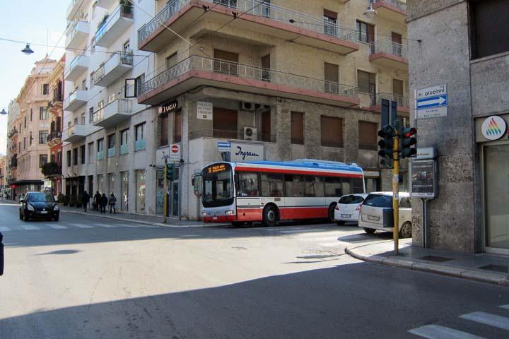 Bari1825